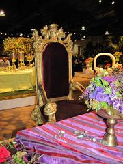 "A throne is part of the ""Proper Hodgepodge"" exhibit by Robertson's Flowers of Wyndmoor, Pa."