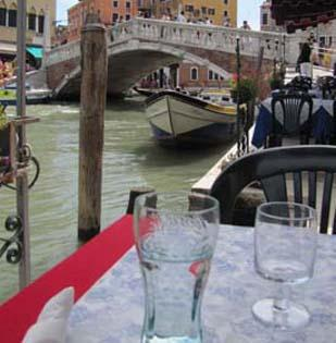Even in Venice, the glass is not always half full when it comes to restaurant quality.