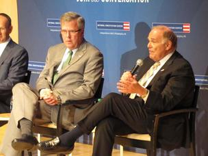 Jeb Bush (left), at the Constitution Center Thursday with a former chairman of the site, Ed Rendell.