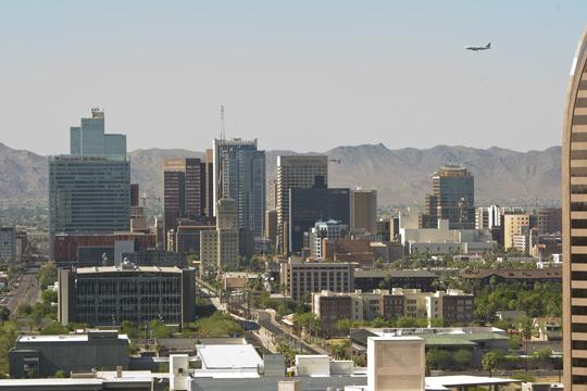 A new Brookings report shows the Phoenix economy is improving.
