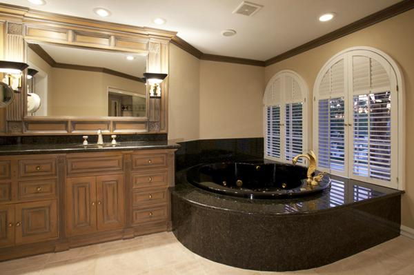 A bathroom in Stoudemire's old home.