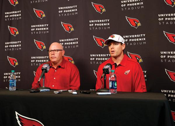 Carson Palmer, right, joined the Cardinals this month.