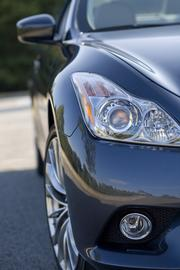 Infiniti G37 Coupe close-up
