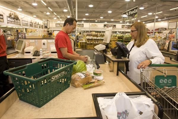 Sprouts Farmers Market plans to open a new store in Glendale this summer.
