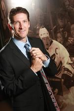 Phoenix Coyotes exec Mike Nealy changes roles after team's purchase