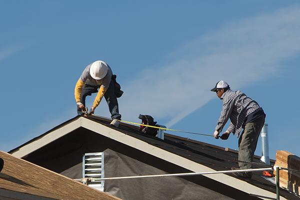 Metro Phoenix lured 6,000 new construction jobs in January, according to a new report.
