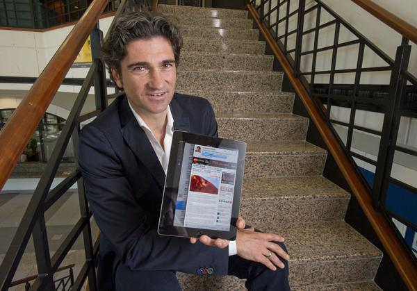 Thunderbird School of Global Management Professor Andreas Schotter uses social media in classes.