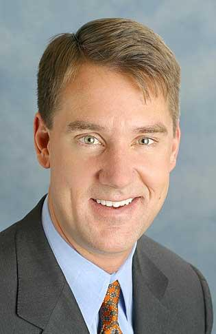 PNC Bank President William Demchak announced a plan to close 200 branches.