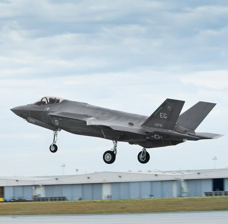 The F-35 Joint Strike Fighter has been given a go-ahead by the Pentagon, Bloomberg reported.
