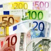 European Central Bank council member Jens Weidmann said the euro isn'€™t seriously overvaluedand warned against trying to weaken the currency.Watch the full video above.