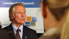 Oregon Gov. John Kitzhaber will get sustainability tips from the Dutch, among other information, during the ongoing eight-day trade mission to Europe.