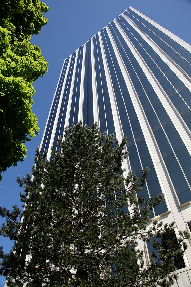 American Assets Trust bought Lloyd Tower in 2011.