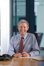 Lynn Gust named president of Fred Meyer Stores