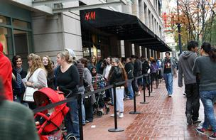 H&M lovers line up for opening