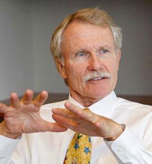 Oregon Gov. John Kitzhaber and other state officials are facing a class action lawsuit related to the Americans with Disabilities Act.