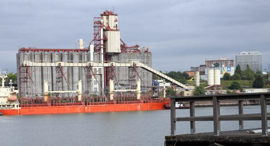 The Columbia Grain terminal at the Port of Portland is one of six grain shipping operations party to ongoing labor negotiations with longshore workers.