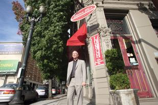 Restaurant broker David Marlin helped sell downtown Portland's popular Mama Mia Trattoria.