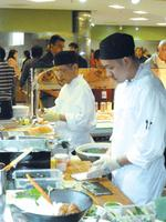 Corporate cafeterias keep adding healthy food items