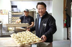 Kettleman Bagel Co. CEO Jeffrey Wang launched the company after procuring startup capital on Craigslist. Now, he's sold Kettleman to The Einstein Noah Restaurant Group Inc. of Lakewood, Colo.