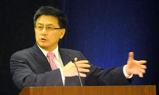 State Controller John Chiang found that Oakland improperly transferred $170 million worth of former redevelopment assets including cash and properties.