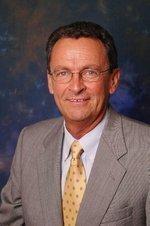 Sacramento County names new airports director