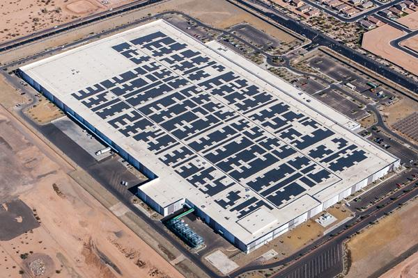Davis-based Blue Oak Energy installed what is said to be Arizona's largest rooftop solar system. Blue Oak installed the 4,1 megawatt system at First Solar's product and research plant in Mesa, Ariz.