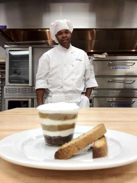 Pastry chef Rob Porter is whipping up a taste of fame with his upcoming appearance on Cupcake Wars.