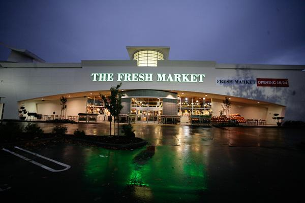 Fresh Market is ready to begin interviewing candidates for the 80 to 90 jobs available for two stores opening soon in Sacramento on Fair Oaks Boulevard and in Elk Grove. This is the Roseville location, which opened in 2012.