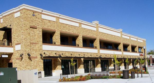 Lincoln Gateway, located at 100-170 Gateway Drive in Lincoln, was purchased by Vanir Group of Cos., a Sacramento construction management and development company.Made up of eight buildings, the newly built center measures 74,586 square feet.