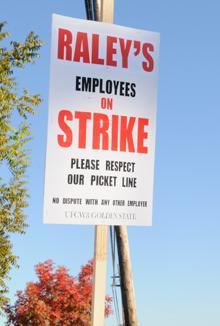 West Sacramento-based Raley's and the United Food and Commercial Workers 8-Golden State have agreed to arbitration.