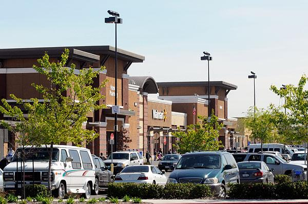 The collapse of Mervyn's left major vacancies in shopping centers all over Northern California. Florin Towne Center filled its gap with a Walmart Supercenter.