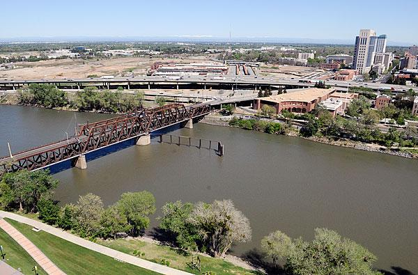 The news that federal money is on the way to get the process of taking down the I Street Bridge is a boost to plans to strengthen cross-river ties between Sacramento and West Sacramento.
