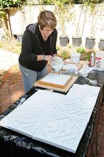 Tough economy forces artists to be flexible