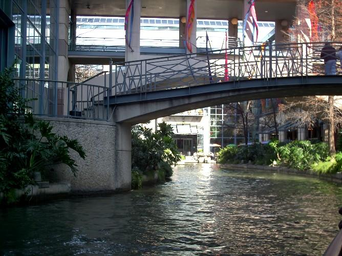 San Antonio River Foundation has teamed up with Sammis & Ochoa to promote the 4th Annual RiverTini PourOff.