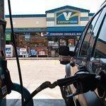 Valero confirms settlement reached in 'hot-fuel' lawsuit