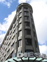 San Francisco building sells for $1,100 a square foot
