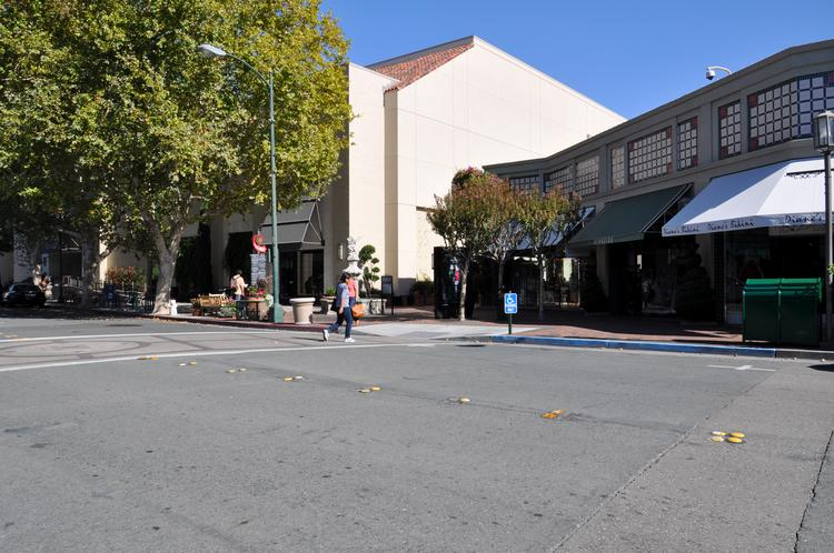 "The ""back 40"" retailers in Broadway Plaza have been given a deadline of Jan. 31 to move out."