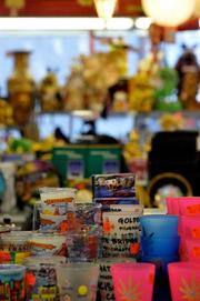 Chinatown is the place to go to findkitschySan Francisco souvenirs.