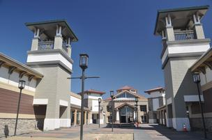 Entrance to the Paragon Outlets in Livermore.