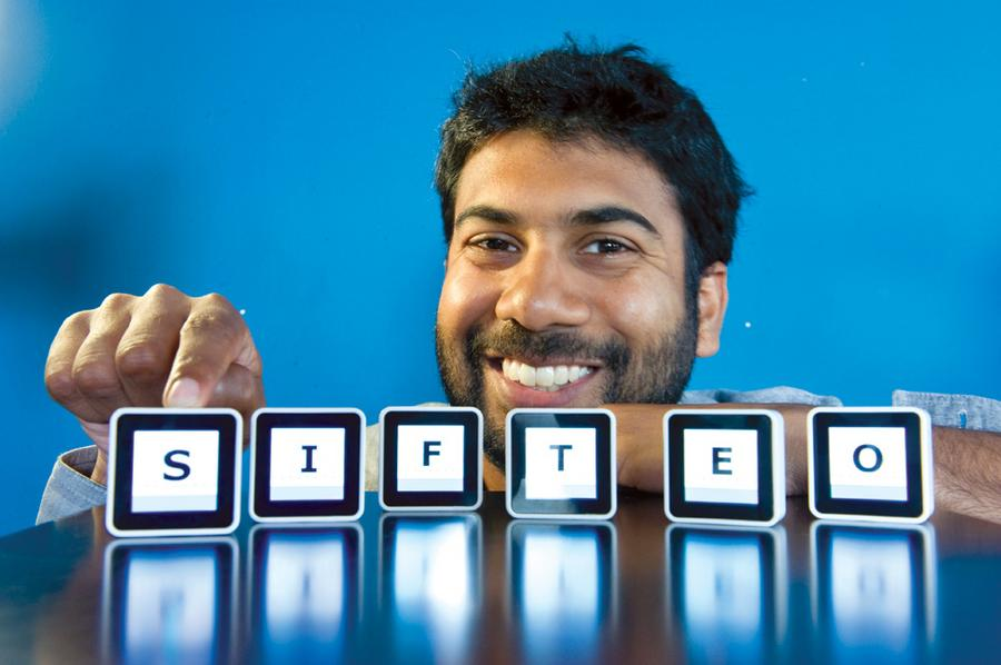Jeevan with Sifteo cubes