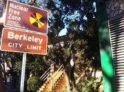 The edge of the Safeway building, to the right, extends right up to the Berkeley border, so Berkeley neighborhood groups were included in Oakland's negotiations.