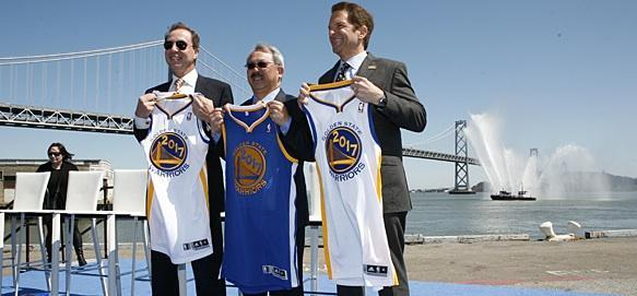 Warriors owners Joe Lacob (L) and Peter Guber (R) celebrate the San Francisco announcement with Mayor Ed Lee.