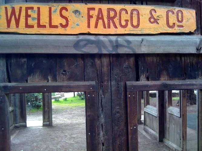 Wells Fargo's revenue rose to $21.64 billion, from $20.33 billion a year earlier.