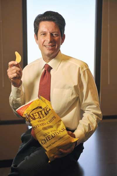 Diamond Foods CEO Michael Mendes wants to turn his company into a global player in snacks with the planned merger with Procter & Gamble's Pringles.