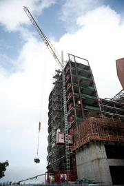Alta Bates Summit in Oakland is making progress on the 11-story inpatient tower and adjacent garage.