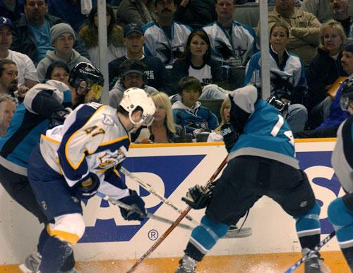 The San Jose Sharks haven't yet returned to the ice at HP Pavilion due to the NHL's ongoing lockout, but a minor league game at the arena last night drew 12,881 people downtown.