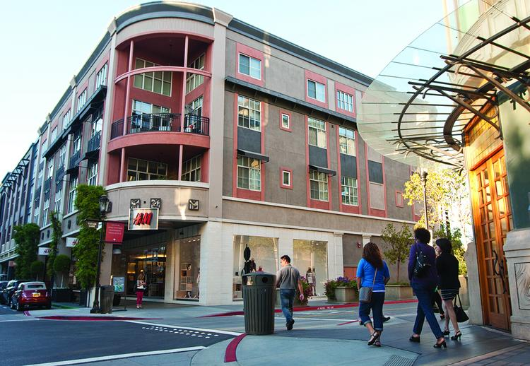 Santana Row's 10th anniversary will bring with it some new stores and restaurants, including H&M and the coffee shop LaVazza.