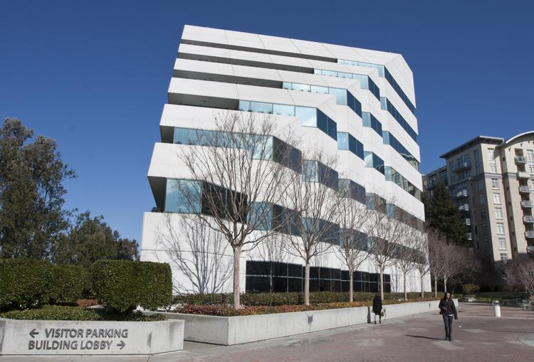 Tishman Speyer Properties has sold this office building at 2440 W. El Camino Real in Mountain View to Boston Properties Inc. for $71.5 million in cash. Tenants include the Silicon Valley Community Foundation and Intellectual Ventures Management.