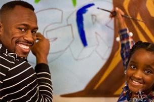 San Francisco 49ers tight end and patron of the arts Vernon Davis works on a project for his Vernon Davis Foundation for the Arts. Davis is elevating his art game a new art gallery, Gallery 85, at Santana Row.