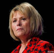 May 2009: Bartz cleans house Carol Bartz starts her career at Yahoo by dramatically reorganizing the company, cutting some 675 jobs, or 5 percent of its work force, in her first three months as CEO.